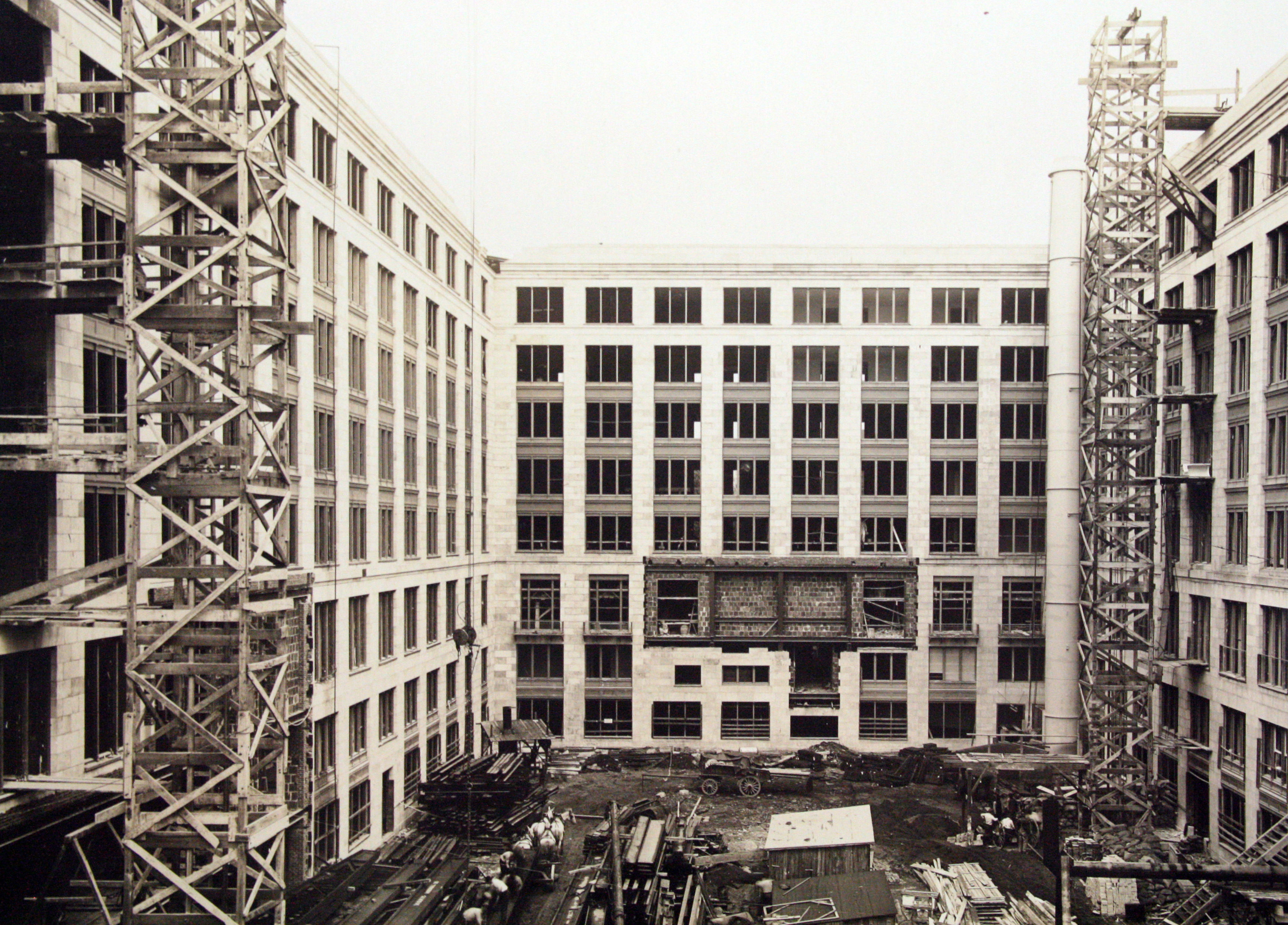 GSA Headquarters building, east courtyard construction, 1916.