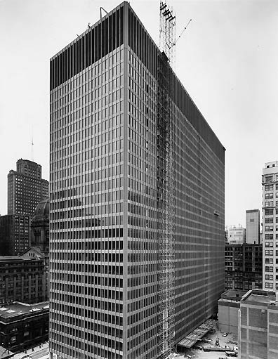 photo showing the construction of the Federal Center, Chicago, IL