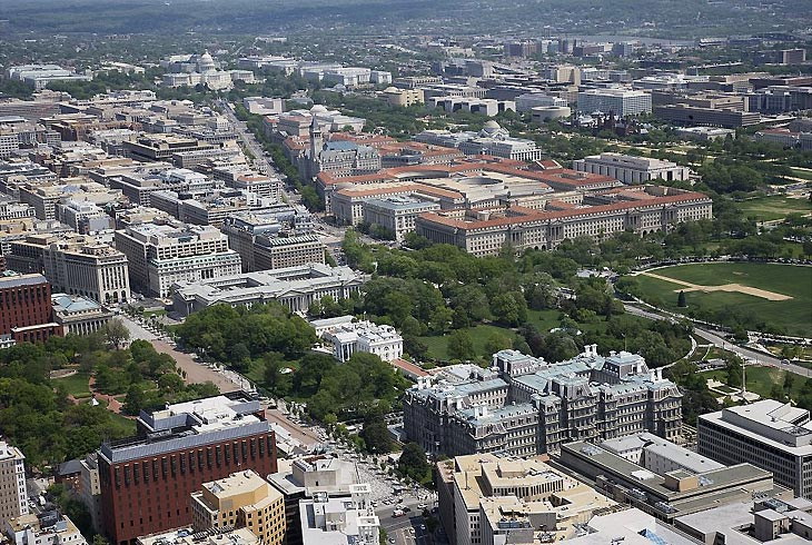 Pennsylvania Avenue National Historic Site, Washington DC, National Archives Building and Navy Memorial highlighted