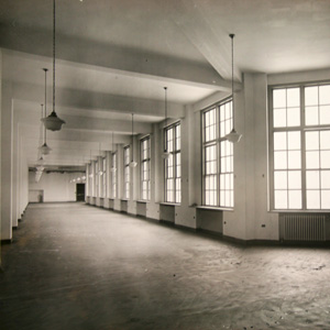 Historic view of the corridors which mimics the buildings exterior shape.