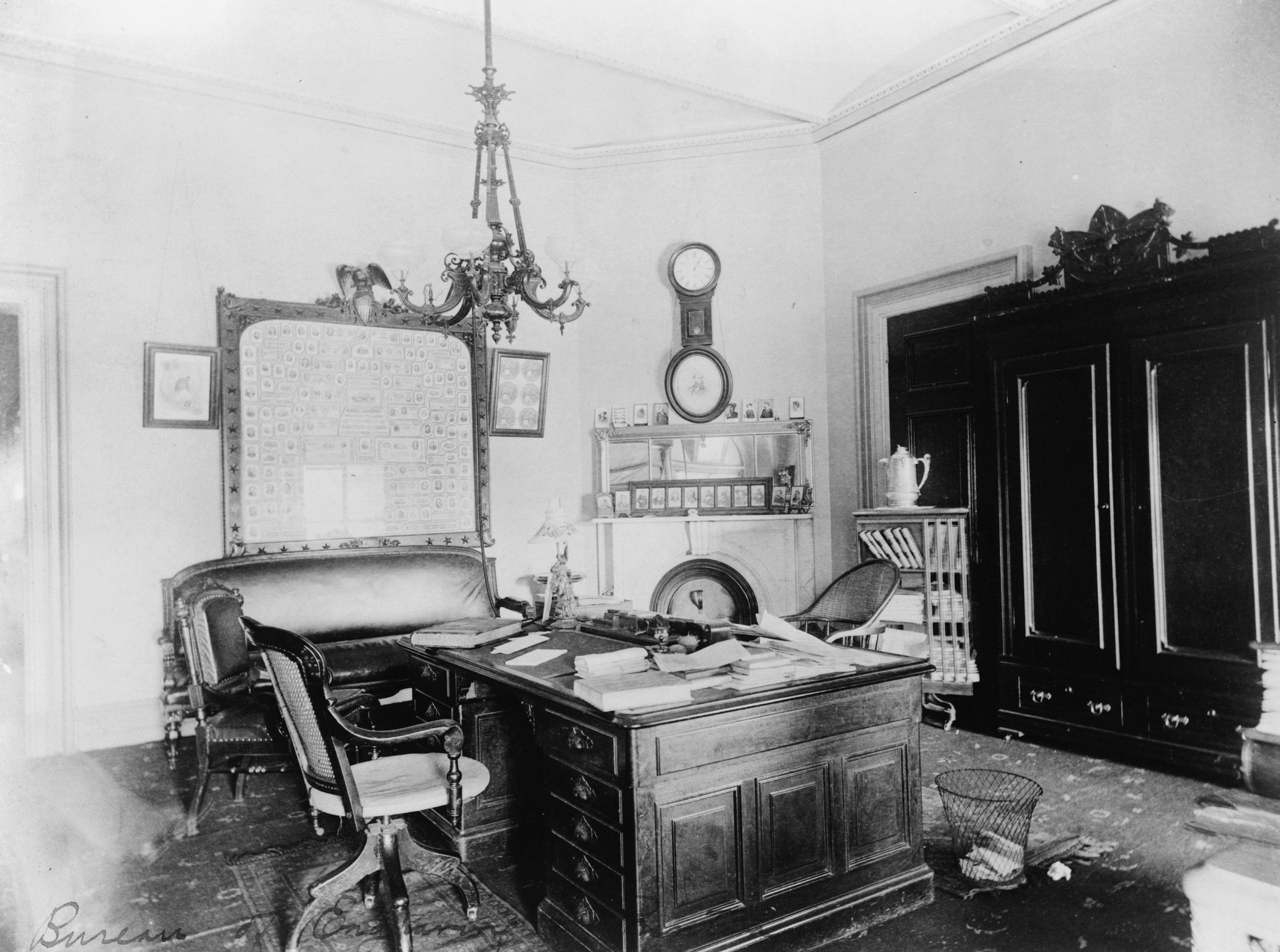 Bureau of Engraving & Printing Director's Office, Francis Benjamin Johnston, c. 1890.
