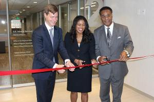 GSA officials and Congressman Emanuel Cleaver cut the ribbon of GSA's new regional headquarters.
